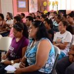 Las participantes escucharon atentamente para después compartir sus ideas sobre lo presentado
